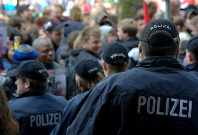 Demo - Polizei