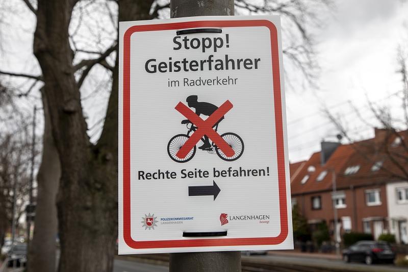 Plakat Stop! Geisterfahrer