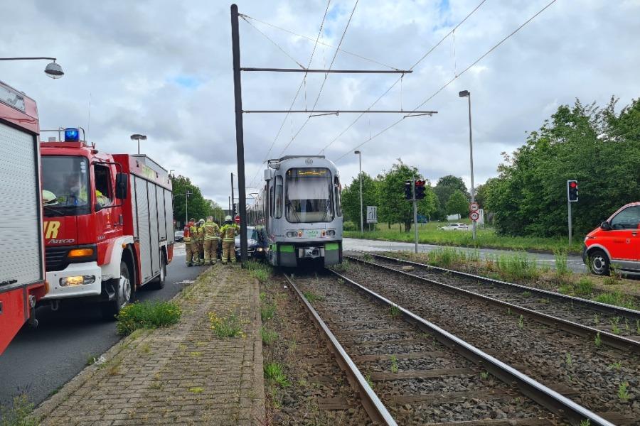 Verkehrsunfall Auto gegen Stadtbahn
