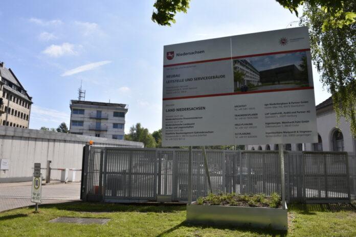 Bauschild Polizeidirektion Hannover