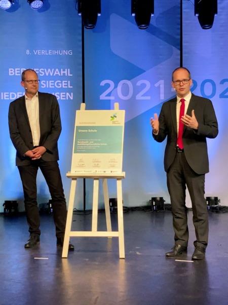 Ulf-Birger Franz, Bildungsdezernent der Region Hannover, und Grand Hendrik Tonne, Niedersächsischer Kultusminister
