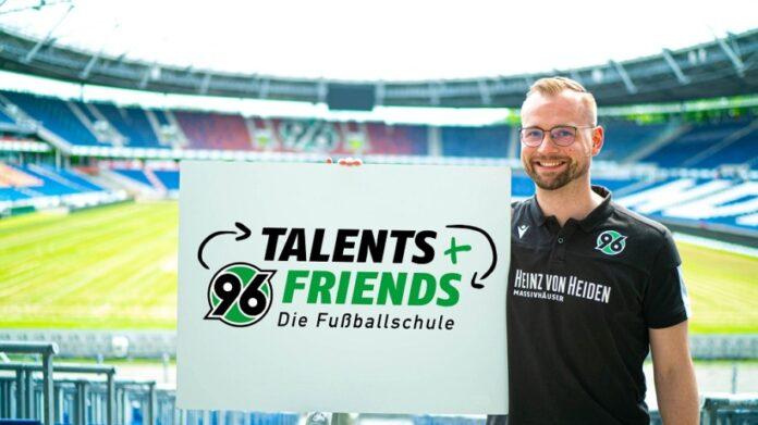 Arne Kübek, Leiter von 96-Talents+Friends.