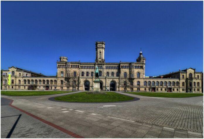 Leibnitz Universität Hannover