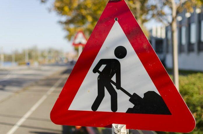 Straßenschild Bauarbeiten