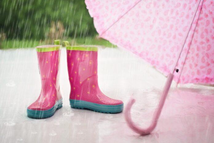 Regenschirm und Gummistiefel