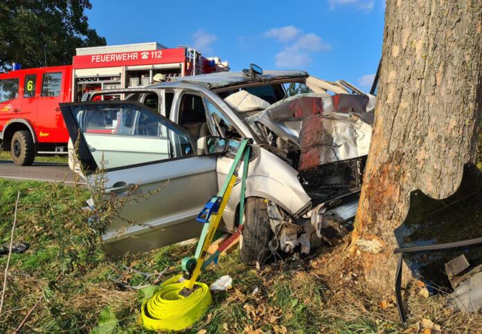 Verkehrsunfall mit eingeklemmter Person zwischen Burgdorf und Immensen