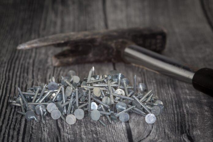 Dachdeckerhammer Nägel